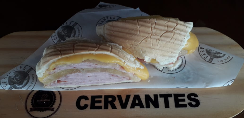Sanduíche Cervantes